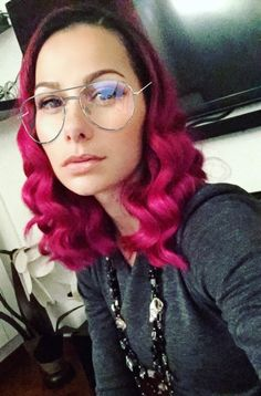 Don't You See it? 👓 Then put Your Glasses on and see how beautiful life is! 🌟 #GoodEveningEveryone #BuonaSerataATutti 😘 ❤️  • • • • #SnapchatGlasses #Erika #ErikadeBonis #MagentaHair #magenta #Snapchat #singer  #girl #Pinklips #studio #live #song #hitsong #hit #cover #music #musicislife #girlfashion #musicvideo #girlfashion #girls #womanartist #womansfashion #cantante #breakinbang