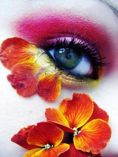 kokeshinee:    I love flower petals or feathers around eyes.