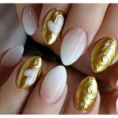 Instagram media merlin_nails - Chro'me up close Gel on natural nails  #crystalnails #gel #gelnails #nail #nails #nailstagram #nailsofinstagram  #notpolish #manicure #artnails #fashionnails #nailart #nailswag #instanails #nailporn #gold #nokti #sparkling #fashion #stylish #bling #nails2inspire #chrome