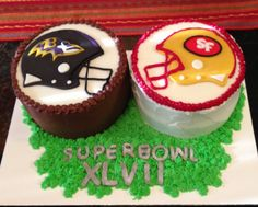 Groom's Cake - football themed for our Superbowl Weekend wedding!