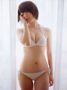 """AKB48 Minami Minegishi """"Amai Karada"""" on Friday Magazine"""