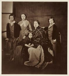 A less formal Royal portrait. Queen Victoria wearing a simple tartan shawl poses for an informal family photograph with her four eldest children, (left to right) Prince Albert Edward, Princess Victoria, Princess Alice and Prince Alfred. Queen Victoria Family, Queen Victoria Prince Albert, Victoria And Albert, Queen Victoria Children, Reine Victoria, Victoria Reign, Prince Héritier, Prince Of Wales, Prince Philip
