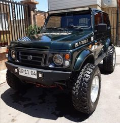 Suzuki Jimny Off Road, Jimny Suzuki, Samurai, Car Supplies, Best Luxury Cars, Big Rig Trucks, Daihatsu, Katana, Offroad