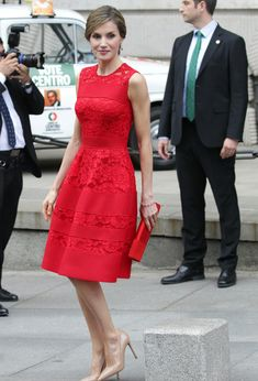Queen Letizia of Spain Dress Outfits, Casual Outfits, Fashion Dresses, Cute Dresses, Short Dresses, Formal Dresses, Dress Skirt, Lace Dress, Queen Letizia