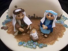 what a lovely Christmas cake topper. Christmas Clay, Christmas Cooking, Christmas Nativity, Christmas Goodies, Christmas Crafts, Christmas Ideas, Xmas, Christmas Eve, Christmas Cake Designs
