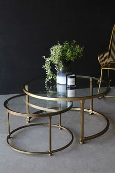Set Of 2 Circular Circus Nesting Tables - Coffee & Side Tables - Furniture White Glass Coffee Table, Coffe Table, Circular Coffee Table, Nest Of Coffee Tables, Side Table Decor, Modern Side Table, Side Tables, Entry Furniture, Table Furniture