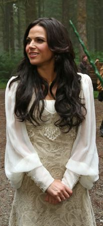 Which one do you like best, old Regina or new Regina??? I like the old one I think she looks good with long hair.