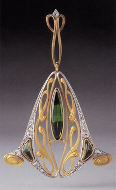 An Art Nouveau gold, platinum, diamond and peridot pendant, maker unknown, possibly Belgian, about 1905-10. 4.2 x 4.0cm. Source: Wolfgang Glüber, Jugendstilschmuck #ArtNouveau #pendant