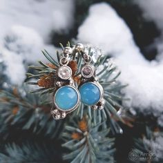 Cute little blue earrings. --- #amadestudio #tinyjewelry #handmadejewelry #handmade #artisanjewelry
