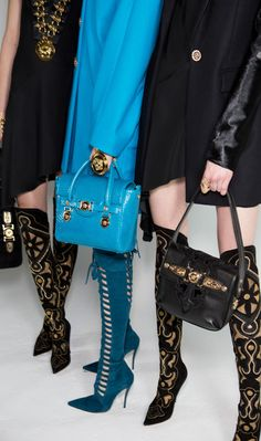 OMG would you look at those Versace teal suede boots.died and gone to boot heaven :) Versace 2015, Versace Blue, Versace Fashion, Atelier Versace, Gianni Versace, Milan Fashion, Luxury Fashion, Bootie Boots, Ankle Boots