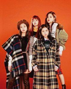 Your source of news on YG's current biggest girl group, BLACKPINK! Kim Jennie, Jenny Kim, Divas, Forever Young, South Korean Girls, Korean Girl Groups, K Pop, Blackpink Photos, Pictures