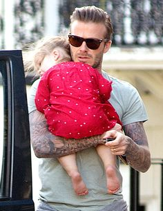 Harper Beckham, the adorable youngest child and only daughter to Victoria and David Beckham, is forever being cuddled and coddled by her dashing father. Here, her first two years with her proud papa in pictures. David Beckham Family, David Beckham Style, Victoria And David, David And Victoria Beckham, Harper Beckham, Hot Dads, Mom Pictures, Celebrity Moms, Celebrity Photos