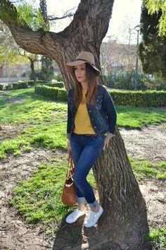Nuevo #look en #Buscotuestilo https://buscotuestilo.wordpress.com/2015/03/26/bienvenida-primavera-moda/  El amarillo es el color de la Primavera y hoy te lo propongo en este nuevo outfit! #moda #estilo #fashionblogger #streetstyle