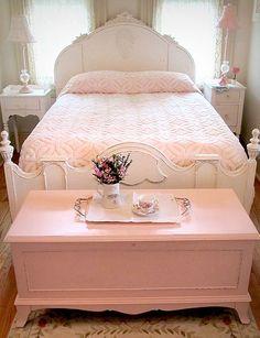 Romantic Country Bedrooms Decoration Idea | ... Treasure Chest - Click Pic for 42 Romantic Master Bedroom Decor Ideas