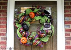 I started to experiment with making Deco Mesh wreaths about a month ago. Maybe two months ago, I don't remember exactly. I've loved these Deco Mesh wreaths from the moment I first saw them in one of the local shops here, but I couldn't bring myself. Halloween Mesh Wreaths, Holiday Wreaths, Halloween Crafts, Halloween Decorations, Wreath Crafts, Diy Wreath, Cool Stuff, Christmas Deco, Christmas Crafts