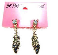 Betsey Johnson Gold/Teal Feather Earrings - http://designerjewelrygalleria.com/betsey-johnson/betsey-johnson-goldteal-feather-earrings/