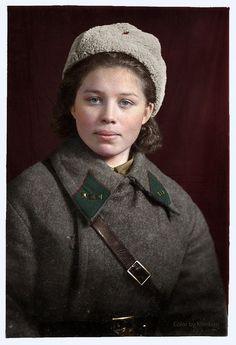 Фронтовики и униформа красной армии в период Великой Отечественной на цветных фото