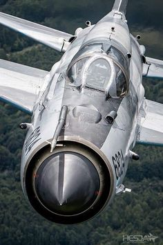 Airplane Fighter, Fighter Aircraft, Airplane Art, Fighter Jets, Military Jets, Military Weapons, Military Aircraft, Luftwaffe, Mig 21