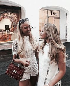 Image about girl in Friendship/Best Friends by ♡ N ι c σ ℓ є ♡ Bff Goals, Best Friend Goals, Squad Goals, Gal Pal, Friend Photos, Best Friends Forever, Bae, Friend Pictures, Girl Gang