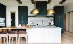 Trendy home design wood dream kitchens Ideas Big Kitchen, Country Kitchen, Kitchen And Bath, Kitchen Design, Room Kitchen, Dining Room, Cocinas Kitchen, Kitchen Trends, Kitchen Ideas