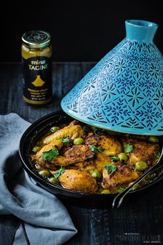 This easy Chicken tagine recipe uses Mina Tagine Moroccan Cooking sauces. Coffe Recipes, Meat Recipes, Chicken Recipes, Healthy Recipes, Moroccan Tagine Recipes, Tagine Cooking, Morrocan Food, Cooking Sauces, Cooking Recipes