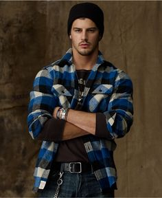 Love the look of the flannel button up with shirts, the rest of the outfit is no goood!!!