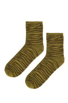 Zebra Textured Ankle Socks