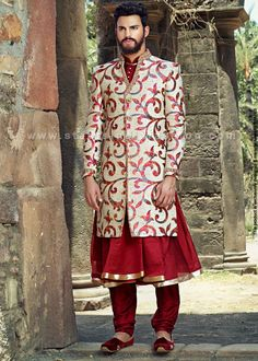 sherwani, indian wedding wear, groom sherwani, best sherwani Mens Sherwani, Wedding Sherwani, Indian Men Fashion, India Fashion, Mens Fashion, Groom Wedding Dress, Wedding Dresses, Indian Groom Dress, Moda Indiana