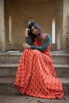 Simple Kurta Designs, Kurta Designs Women, Long Gown Dress, Long Frock, Dress Indian Style, Indian Wear, Cotton Frocks For Kids, Fashion Terms, Cotton Salwar Kameez