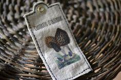 Etiquette drap ancien modèle champignon : Autres papeterie par de-petits-riens