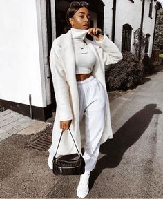 Ideas For Style Winter White Fashion Sporty Outfits, White Outfits, Mode Outfits, Stylish Outfits, Looks Street Style, Looks Style, Winter Fashion Outfits, Fall Outfits, Fashion Clothes