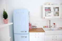 Google Image Result for http://1.bp.blogspot.com/-6yZiwP50qyE/TgCJFnCJ6EI/AAAAAAAACFw/baDGmEnCpPo/s640/kitchenpost_kit06_large.jpg