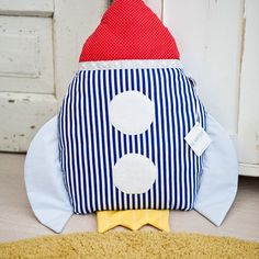The thing you need most in outer space? A rocket pillow of course! Sewing Toys, Sewing Crafts, Outer Space Bedroom, Diy Rocket, Homemade Pillows, Sewing Stuffed Animals, Diy Toys, Crafts To Do, Kids Bedroom