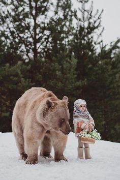 Photographer Creates Enchanting Fairytale Photos with Real Wild Animals Olga Barantseva features both human and animal models in her picturesque fairytale photography. Photographer Creates Enchanting Fairytale Photos with Real Wild Animals Animals For Kids, Animals And Pets, Baby Animals, Funny Animals, Cute Animals, Wild Animals Pictures, Animal Pictures, Funny Kid Pictures, Wild Pictures