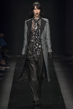 Emanuel Ungaro Fall 2015 RTW Runway – Vogue