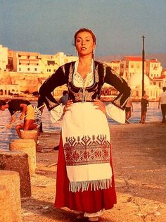 Traditonal cretan costume Greek Traditional Dress, Traditional Fashion, Traditional Outfits, Greek Dress, Greece Pictures, Greek Culture, Cultural Diversity, In Ancient Times, Folk Costume
