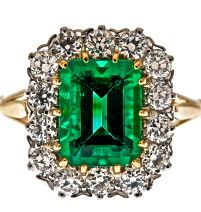 """Fine Emerald and Diamond """"Cluster"""" Ring Green Diamond, Emerald Diamond, Emerald Green, Fine Jewelry, Women Jewelry, Jewelry Rings, Jewellery, Jewelry Box, Antique Jewelry"""