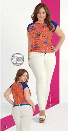 Blusa de color naranja estampado con manga ranglan. Moda verano 2015
