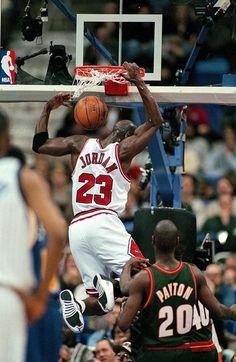 6dd77ca6a072 Michael Jordan - Chicago Bulls Basketball Teams