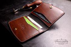 Malá peněženka z kůže ručně ušitá - Z kůže na zakázku česká výroba Leather Crafts, Leather Card Case, Wallet, Purses, Women, Leather Craft, Diy Wallet, Purse