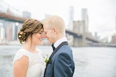 A intimate wedding in Central Park, New York. Portraits at Brooklyn bridge.