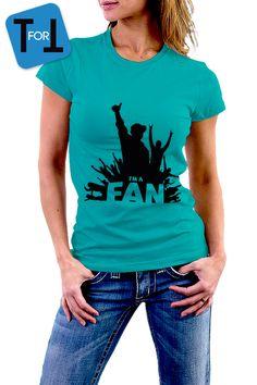 I'M A FAN - T-shirt bleu vert idéal pour assister à vos concerts préférés Tshirt Femme de la boutique teeFORtea sur Etsy