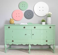 Make Button Wall art By Decor and the Dog, featured @savedbyloves
