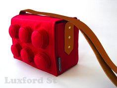 Hey, I found this really awesome Etsy listing at https://www.etsy.com/listing/129152850/block-bag-in-bright-red