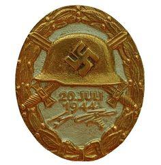 Verwundetenabzeichen Juli 1944 in Gold Airborne Army, Badges, Ww2, World War, Coins, German, History, Gold, Military