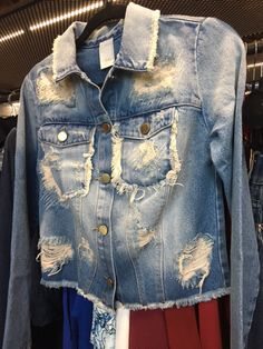 Dimy - Inverno 2017 Denim Jacket Fashion, Denim Coat, Denim Outfit, Denim Shirt, Denim Jeans, Work Jeans, All Jeans, Denim Trends, Vintage Denim