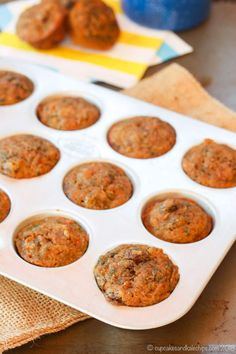 Healthy Recipes : Healthy Carrot Zucchini Mini Muffins - a kid-favorite muffin recipe that is mois. Quick Healthy Snacks, Healthy Toddler Meals, Healthy Muffins, Healthy Baking, Healthy Dinner Recipes, Kids Meals, Toddler Food, Vegan Baking, Eating Healthy