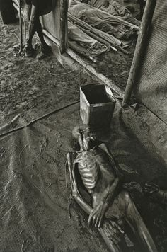 """Sahel: The End of the Road"" - 1984, war & worst drought recorded in history killed 1 million people in the  Sahel region of Chad, Ethiopia, Mali, and Sudan, Africa -  Sebastião Salgado"