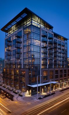 Built by Mithun in Seattle, United States with date Images by Benjamin Benschneider. Designed by Mithun, the Mosler Lofts were the first LEED Silver certified condos in Seattle. An example of h. Architecture Building Design, Architecture Old, Architecture Portfolio, Building Exterior, Facade Design, Residential Architecture, Mix Use Building, Building Structure, Modern Buildings