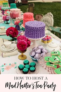 Alice in Wonderland | Mad Hattie's Tea Party | birthday girl themes | kids birthday party ideas | Alice in wonderlandl themed parties | party dessert table ideas | girl birthday party ideas | kids birthday parties | diy birthday party ideas | diy dessert tables || JennyCookies.com #partyideas #kidsbirthday #desserttables | JennyCookies.com #kidsparty #birthdaypartyideas #aliceinwonderland #jennycookies